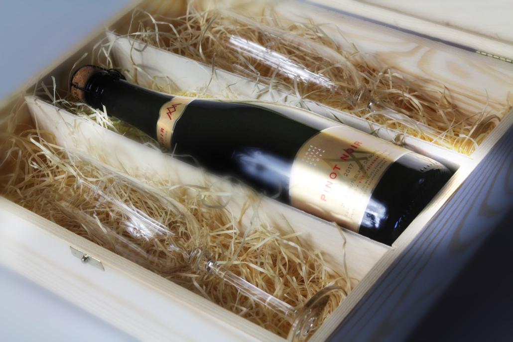Návrh obalu - Návrh etiket Vinných sklepů Kutná Hora - Sekt Pinot Noir 2017